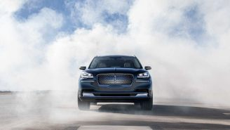 New Lincoln Aviator Is The Tech-Heavy Hybrid Luxury SUV That Uses Your Smartphone As A Key