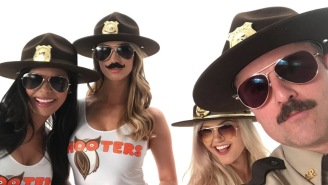 Hooters Is Releasing A Special 4/20 Snozzberry Sauce To Celebrate 'Super Troopers 2