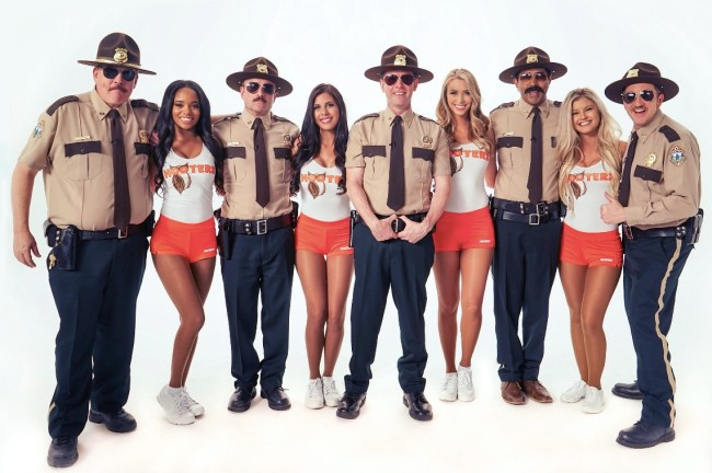 Hooters Super Troopers 2 Snozzberry Sauce
