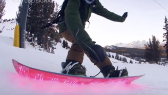 Programmable LED Snowboard Plays Pac-Man And Looks Awesome Shredding The Slopes At Night