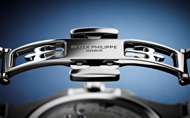 Patek Philippe Nautilus 5740 1G-001 signature