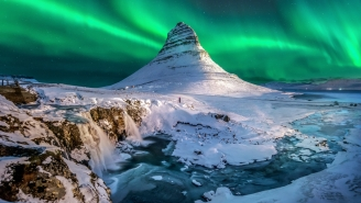 Dream Job Alert: Airline Will Pay You And Your Best Friend To Live In Iceland And Travel The World