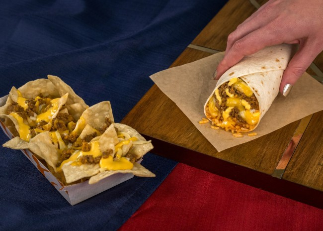 Taco Bell's new $1 Triple Melt Burrito and $1 Triple Melt Nachos hit menus nationwide this week following their test in Cincinnati, OH last September. Both cheesy, craveable items come complete with seasoned beef, shredded three-cheese blend and nacho cheese, wrapped up in a warm, flour tortilla or served atop a bed of tortilla chips. (PRNewsfoto/Taco Bell Corp.)