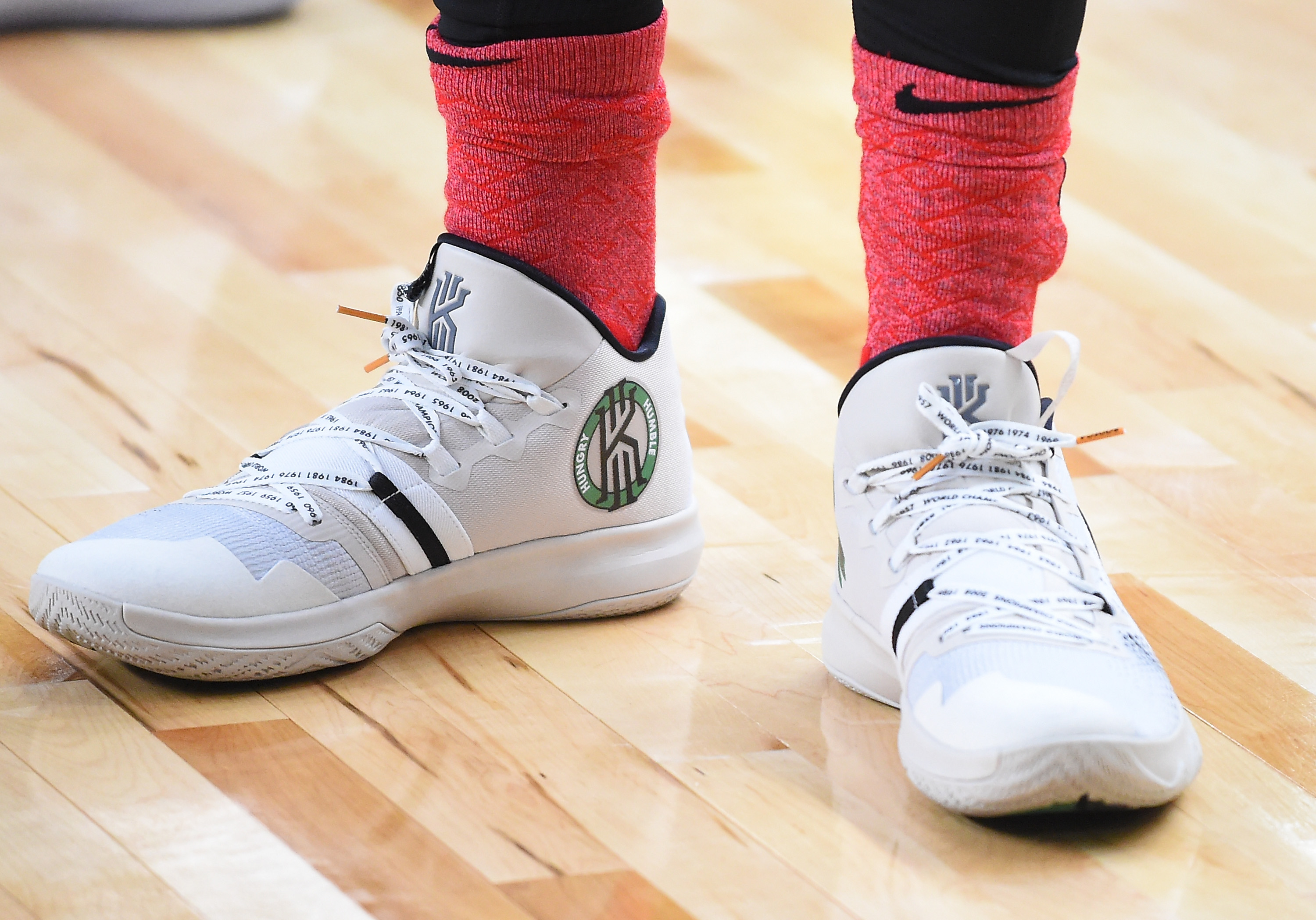 Kyrie Only Signature Basketball Sneaker