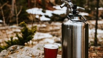 TrailKeg Gallon Growler Will Keep Your Beer Frigid Even When It's Hot As Hell Out