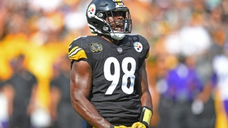 Steelers LB Vince Williams Made The Best Training Camp Entrance By Showing Up Dressed As Stone Cold Steve Austin