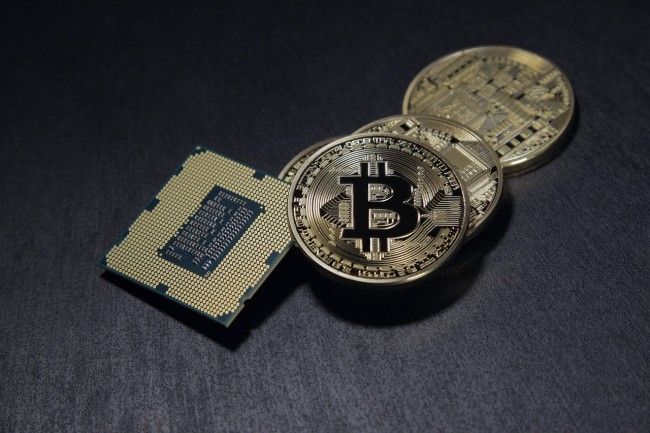 crypto bears bet against bitcoin