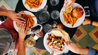 Researchers Think 'The Drunchies' (Drunk Munchies) Could Be Making You Fat