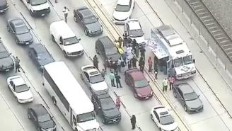 Food Truck Feeding Los Angeles Commuters Stuck In 4 Hours Of Traffic From Nearby Fire Is The Most LA Thing Ever