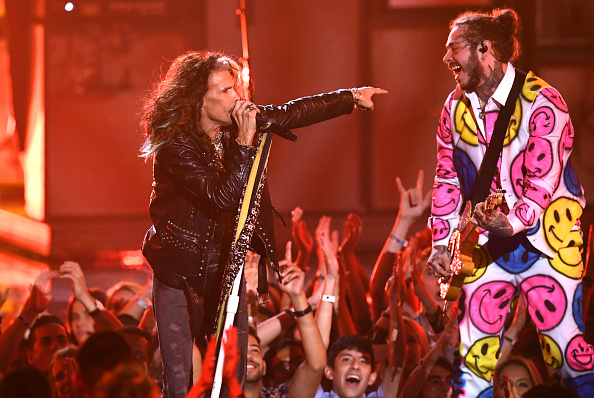 Steven Tyler and Post Malone perform onstage during the 2018 MTV Video Music Awards at Radio City Music Hall on August 20, 2018 in New York City.  (Photo by Noam Galai/WireImage)