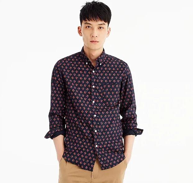 Stretch Secret Wash shirt in navy floral