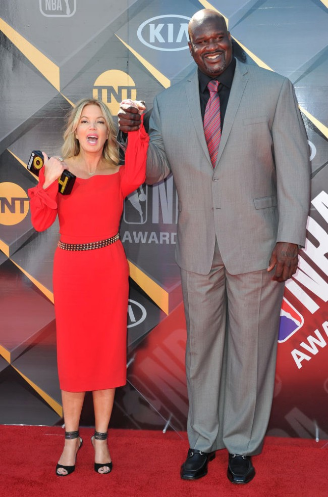 Lakers Owner President Jeanie Buss Selling LA Home