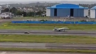 It Doesn't Get Much More Intense Than A Lamborghini Huracan Drag Racing A MIG-29K Fighter Jet