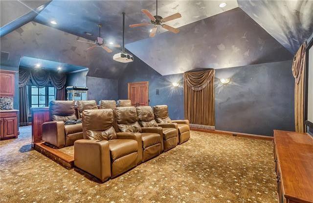 Selena Gomez Selling Fort Worth Mansion