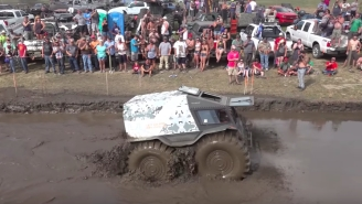 Watch This Russian Amphibious Truck BLOW EVERYONE'S MINDS At A Muddin' Contest