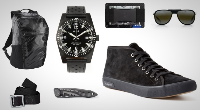 everyday-carry-essentials-blacked-out-gear