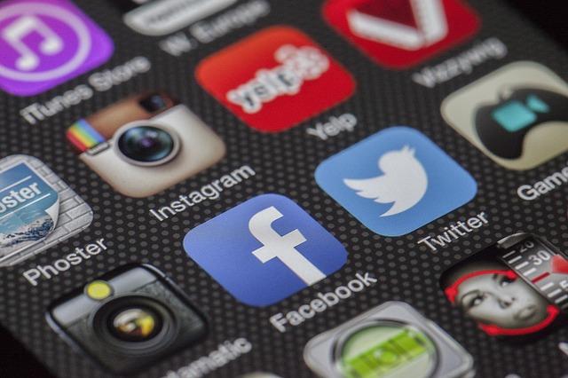 twitter facebook instagram apps