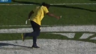 Michigan LB Devin Bush Disrespectfully Stomps On Michigan State's Midfield Logo With His Cleats And Damages It Before Game