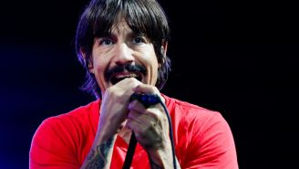 Red Hot Chili Peppers Frontman Anthony Kiedis Gets Ejected From Lakers Game For Confronting Chris Paul, Internet Has Jokes