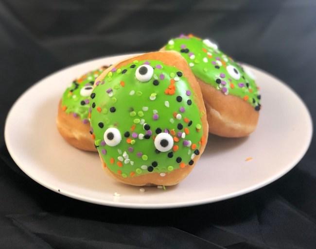 kripsy kreme halloween doughnuts review