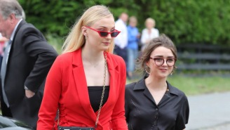 'Game Of Thrones' Stars Sophie Turner And Maisie Williams Take Baths Together When They Get High