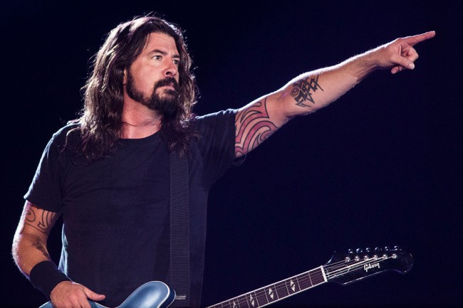 dave grohl feeds firefighters