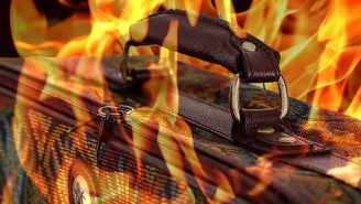 Fed-Up Flyer/Hero Sets His Own Luggage On Fire To Protest His Flight Being Cancelled