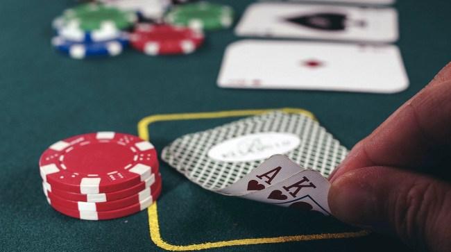 Poker Player Bets 100K Dark Room