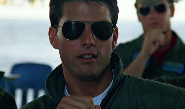 tom cruise flying plane top gun