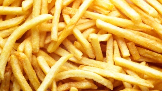 A Harvard Professor Says You Should Only Eat SIX Fries With A Meal As If That's Even Possible