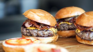 People Are Making A Very Compelling Case For Eating Hamburgers Upside Down