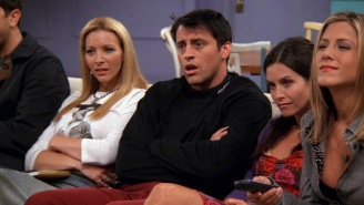 Sharp-Eyed 'Friends' Fans Spotted Some Very Creepy Red Eyes Lurking In The Background Of An Episode