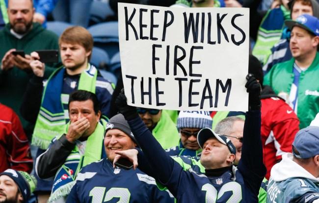 Cardinals Seahawks Raiders And Rams NFL Week 17 Fan Fights