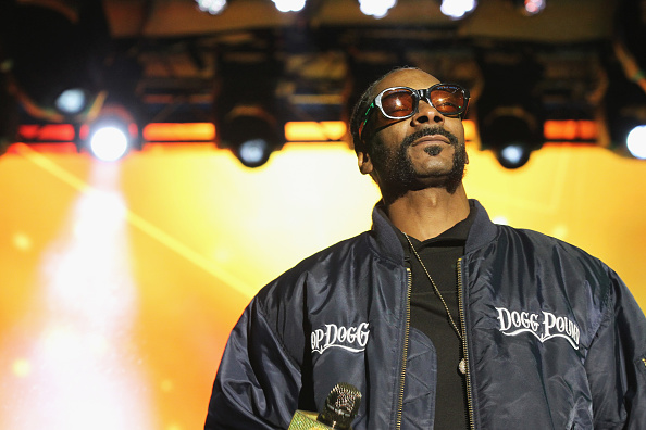 NEW YORK, NY - MAY 03: Snoop Dog performs onstage at the AOL NewFront 2016 at Seaport District NYC on May 3, 2016 in New York City. (Photo by Bennett Raglin/Getty Images for AOL)