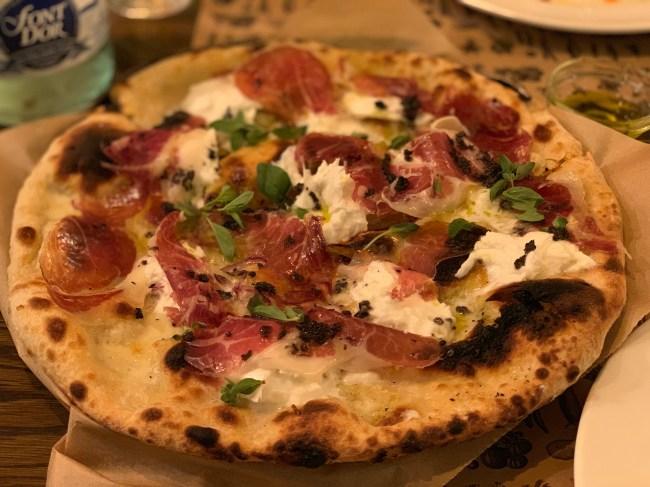 burrata pizza barcelona