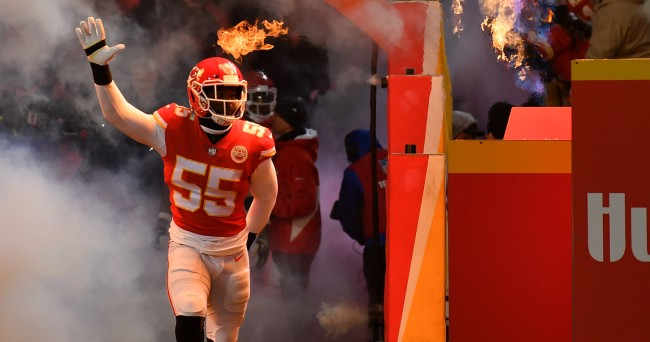 Dee Ford Destroyed On Twitter, Wikipedia After Costing Chiefs Interception
