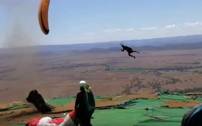dust-devil-paragliding-australia-crazy-footage