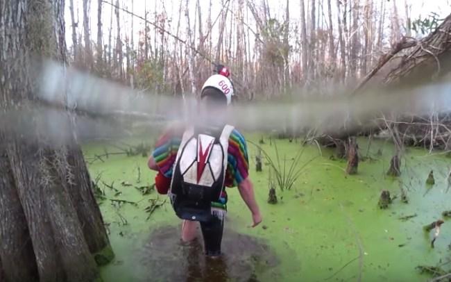 Florida skydivers crash land in swamp