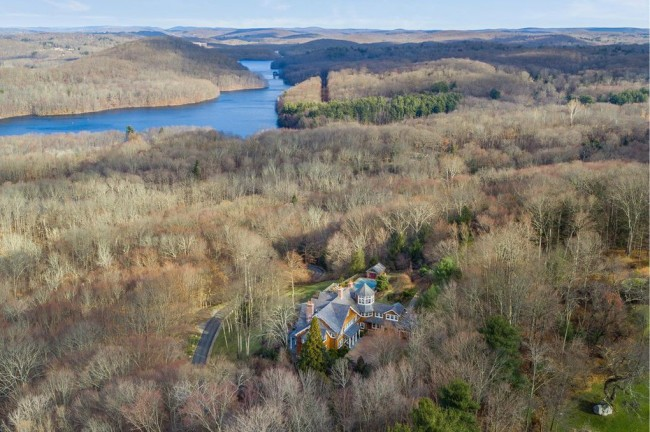 Bruce Willis Selling 22-Acre Estate With Antique Farmhouse For 13M