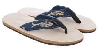 These 'Fish Strap' Hemp Sandals Will Survive All Your Insane Summer Adventures