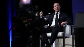 Jeff Bezos Says National Enquirer Is Extorting Him With Intimate Photos So He Revealed What Naughty Pics Are Out There