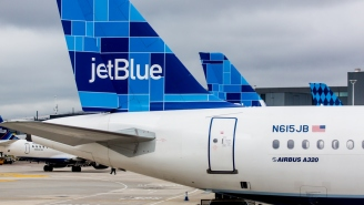 JetBlue Flight Diverted After Unruly Passenger Snorts 'White Substance' In The Bathroom And The Entire Plane Laughs About It