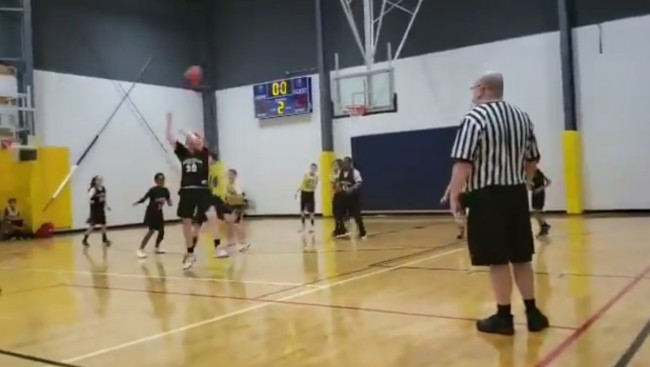 Kid Hits A 30-Foot No-Look Shot Referees Reaction Is Priceless