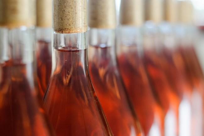 Rosé energy drink