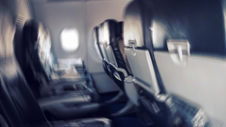There's An Easy Way To Stop Yourself From Falling Victim To Germs While Flying And It's Not Overdosing On Vitamin C