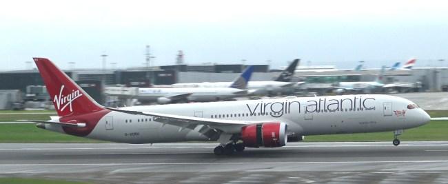 virgin_atlantic_airplane_dreamliner