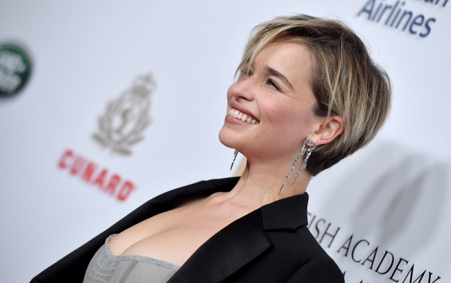 Emilia Clarke Doesnt Regret Game Of Thrones Sex Scenes Being Nude