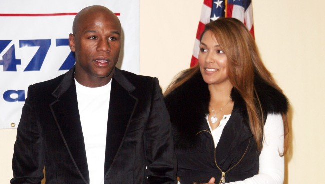 Floyd Mayweather Sued By Ex-Fiancee For Allegedly Stealing Jewelry