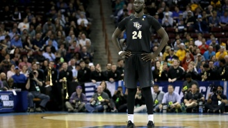 """7'6"""" Tacko Fall  Goes Viral Again After He Was Photographed Looking Taller Than VCU Opponent While On His Knees During NCAA Tournament Game"""