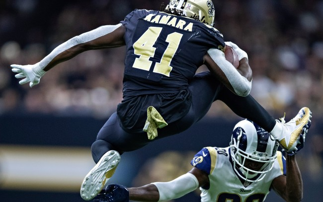 Alvin Kamara Stability Exercises As Part Of His Offseason Training